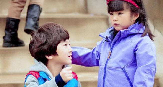 <b>《爸爸去哪儿》两季重聚画风大不同,王诗龄变少女,嗯哼超像杜江</b>