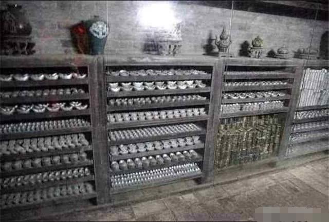 清朝灭亡后,国库里还剩下多少银两?打开门后现场的人都懵了!