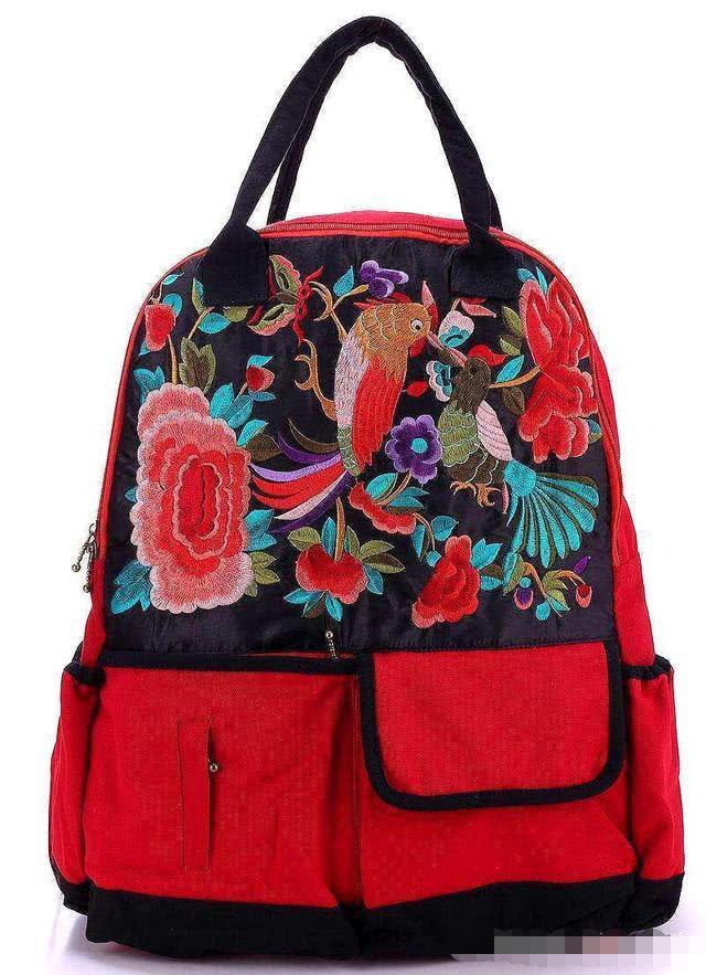 心理学:同学聚会你拿哪个包?测你性格中的致命缺点!准的可怕!