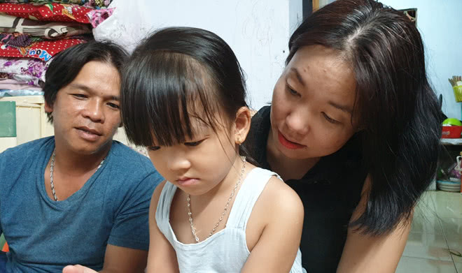 残疾情侣想结婚遭家长反对坚持在一起,如今孩子4岁终于举行婚礼