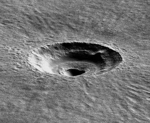 火星发现罐状UFO!外表堆积一层古老土垢,专家看后躺倒