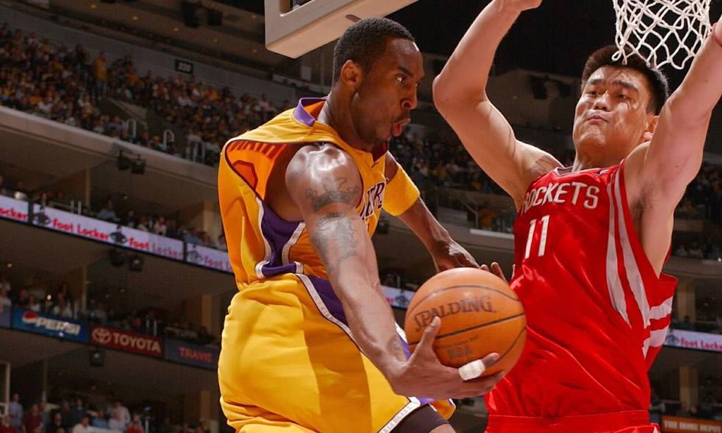 姚明退役8年重回篮球场!身材发福却依旧给力,NBA功底还在