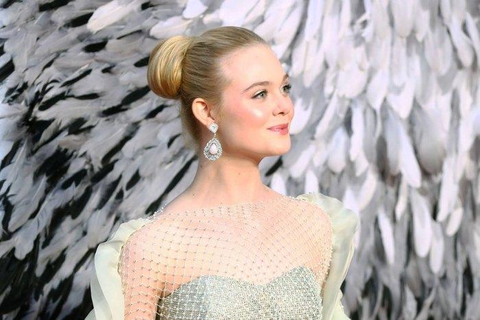 艾丽·范宁珍珠礼裙仙气亮相,气场不输身旁的安吉丽娜·朱莉!