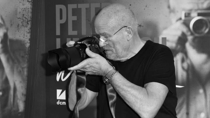 传奇时尚摄影师彼得林德伯格去世,曾为章子怡拍摄黑白大片