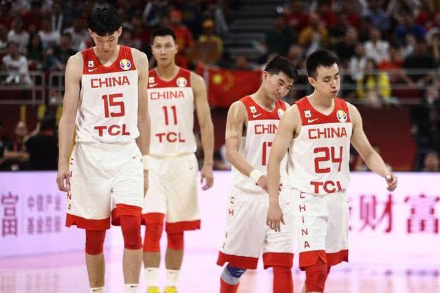 1次暂停2次罚球3次边线球!11年了,中国男篮说出同样5个字