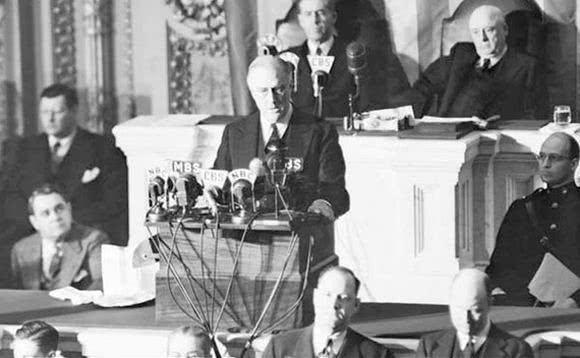 日本偷袭美国珍珠港,美国反手就把炸弹扔到了东京