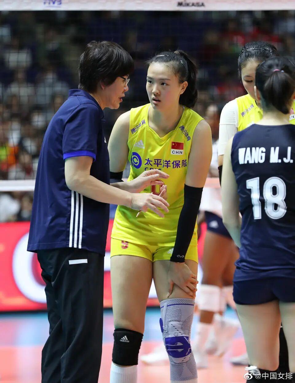 中国女排3局直落美国女排,喜获世界杯7连胜,世界杯冠军稳了