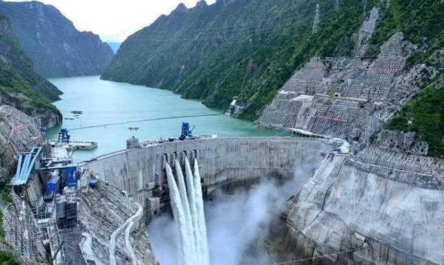 比三峡大坝还高120米,全球公认第一高的大坝,没想到修建在这