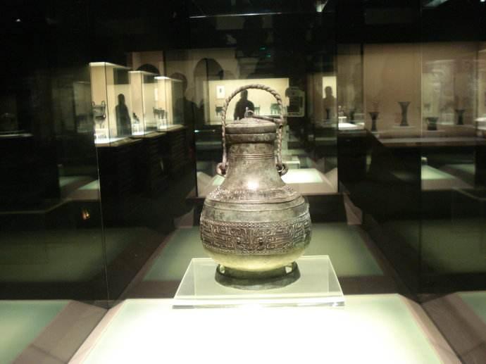 从废铜中捡来的文物,专家不敢确定年代,6年后才自豪地宣布结果