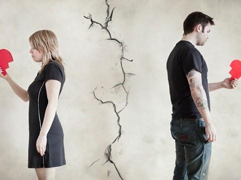 关于出轨和婚姻,劝你思考好这4个问题后,经过深思熟虑再下决定