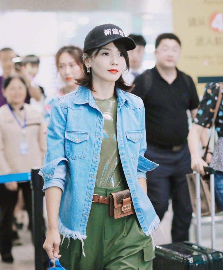 刘涛太绝了,一身清新少女装亮相,41岁像20岁美到犯规!
