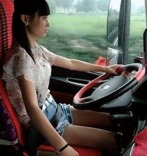 1997年的香港司机,工作轻松,开好车,年薪四十万,你敢信?