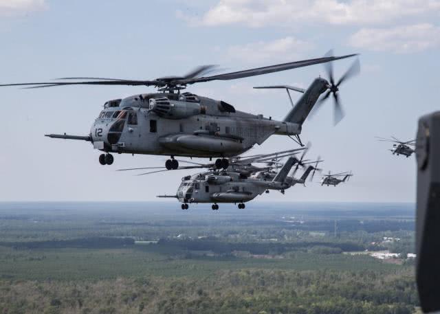 大批重型军机出动,美军亮出看家本领,号称领先所有假想敌