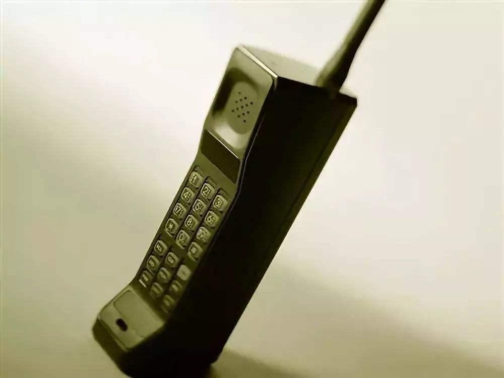 都在谈论5G,谁还记得2G,3G,4G,5G,还有,呃…….1G?
