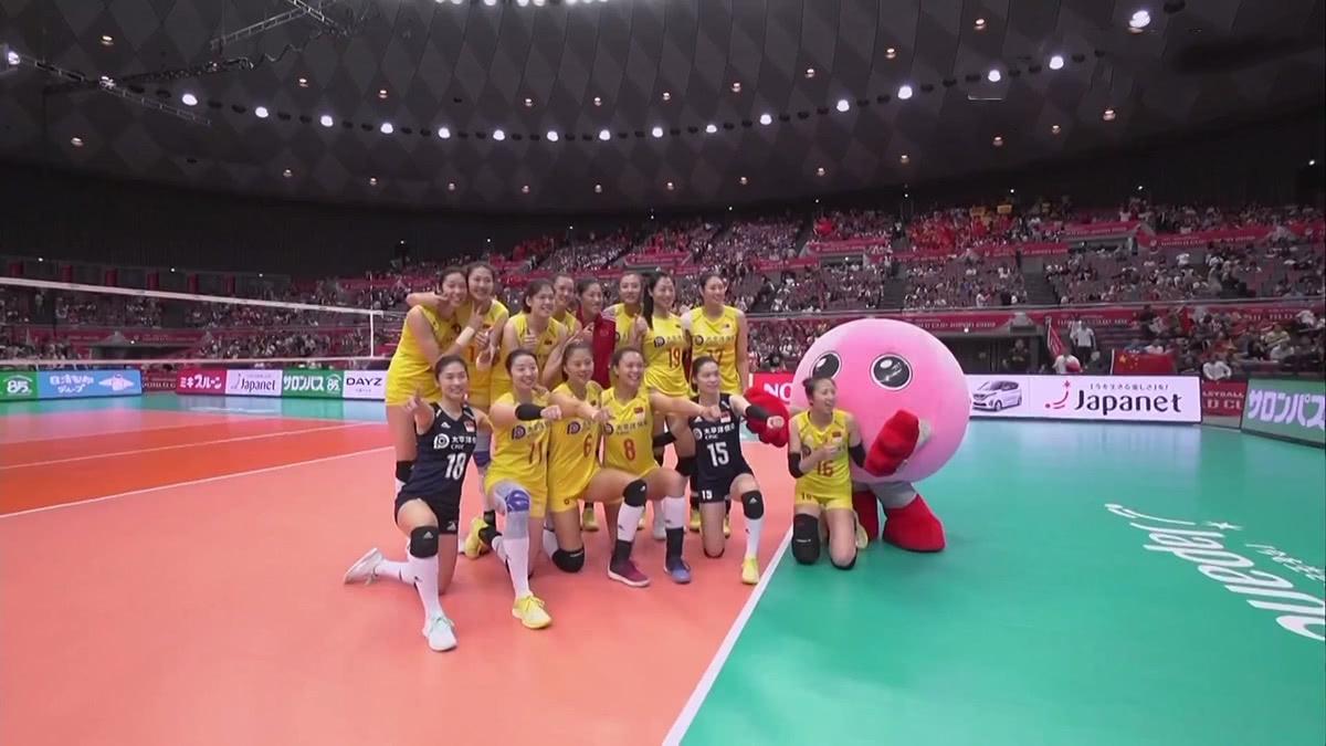 十连胜!中国女排3-0塞尔维亚,提前卫冕成功,献礼祖国70华诞!