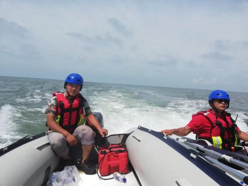 大连父子俩出海下网捕鱼 儿子被网缠住落水失踪