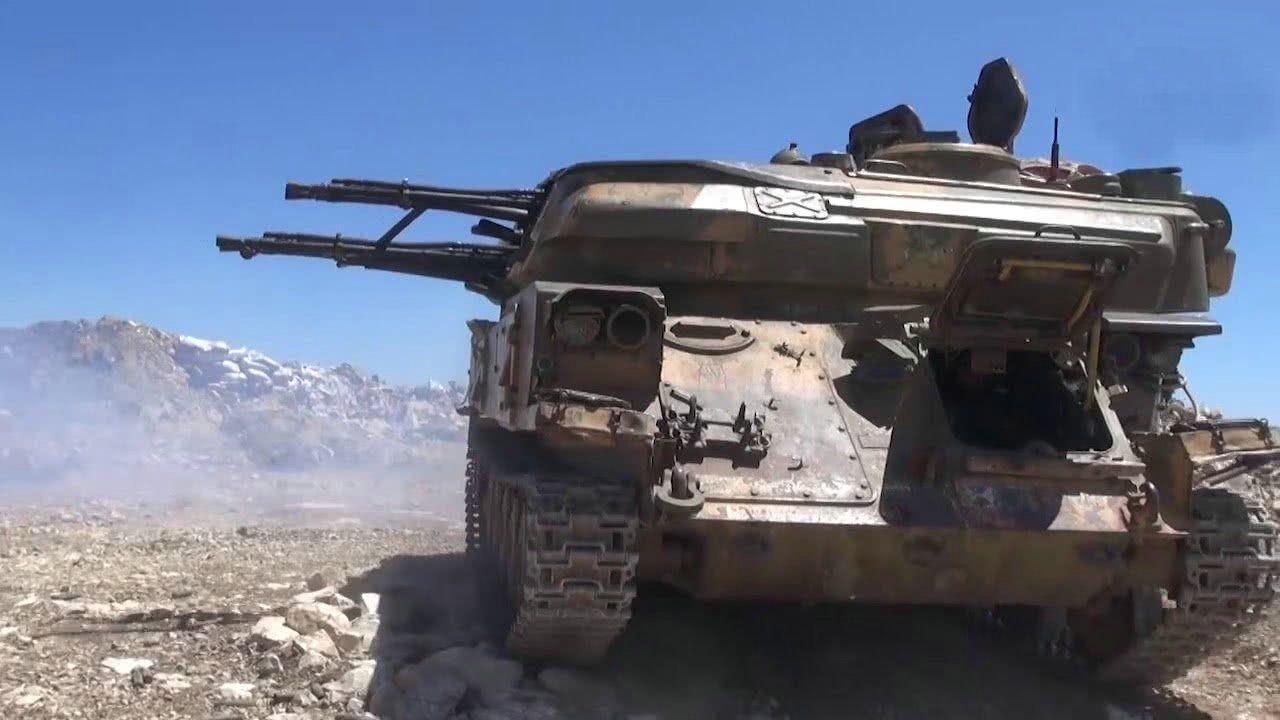 <b>阿萨德弟弟不服老虎哈桑,集结重兵再次猛攻,争夺叙军头把交椅</b>