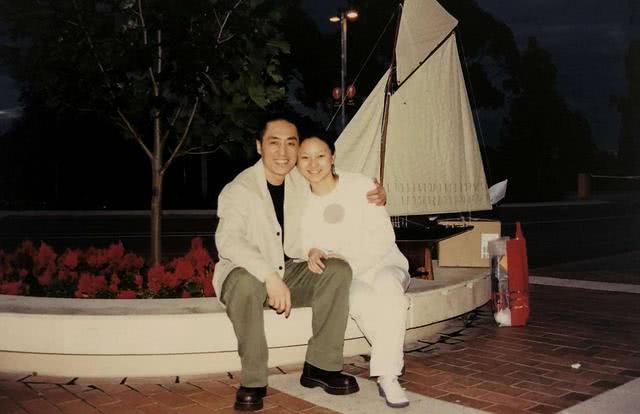 19岁嫁给张艺谋,25岁生三金娃,陈婷人生逆袭之后过得怎么样