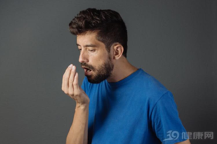 一张嘴就臭味熏天?提醒:口气是这个味,你的血糖已经飙高