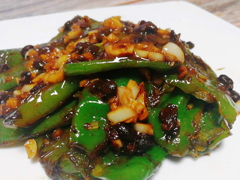 虎皮尖椒这样做软糯香辣,鲜香下饭,材料可简可繁,适合宅家时期