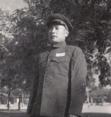 王近山55年授中将,他上级为何只给大校二哥是冯玉祥十三太保