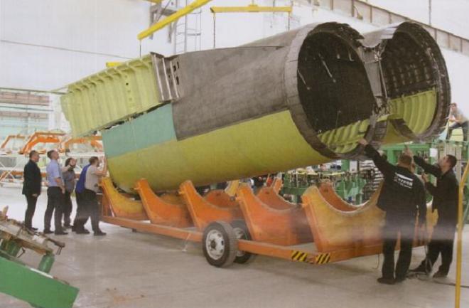 图-160轰炸机复产成功,首个发动机舱运往喀山,即将完成组装
