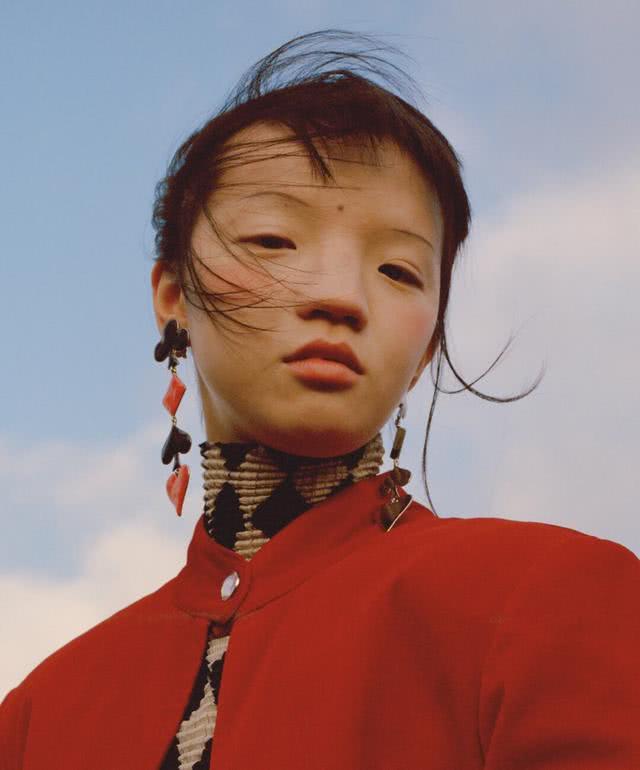 欧美时尚圈大赞的超模脸,在国内却不受待见?这组大片你怎么看