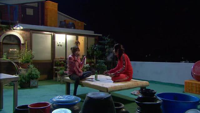 别再被韩剧里男女主住的屋塔房骗了!看完它的真实模样,差距太大