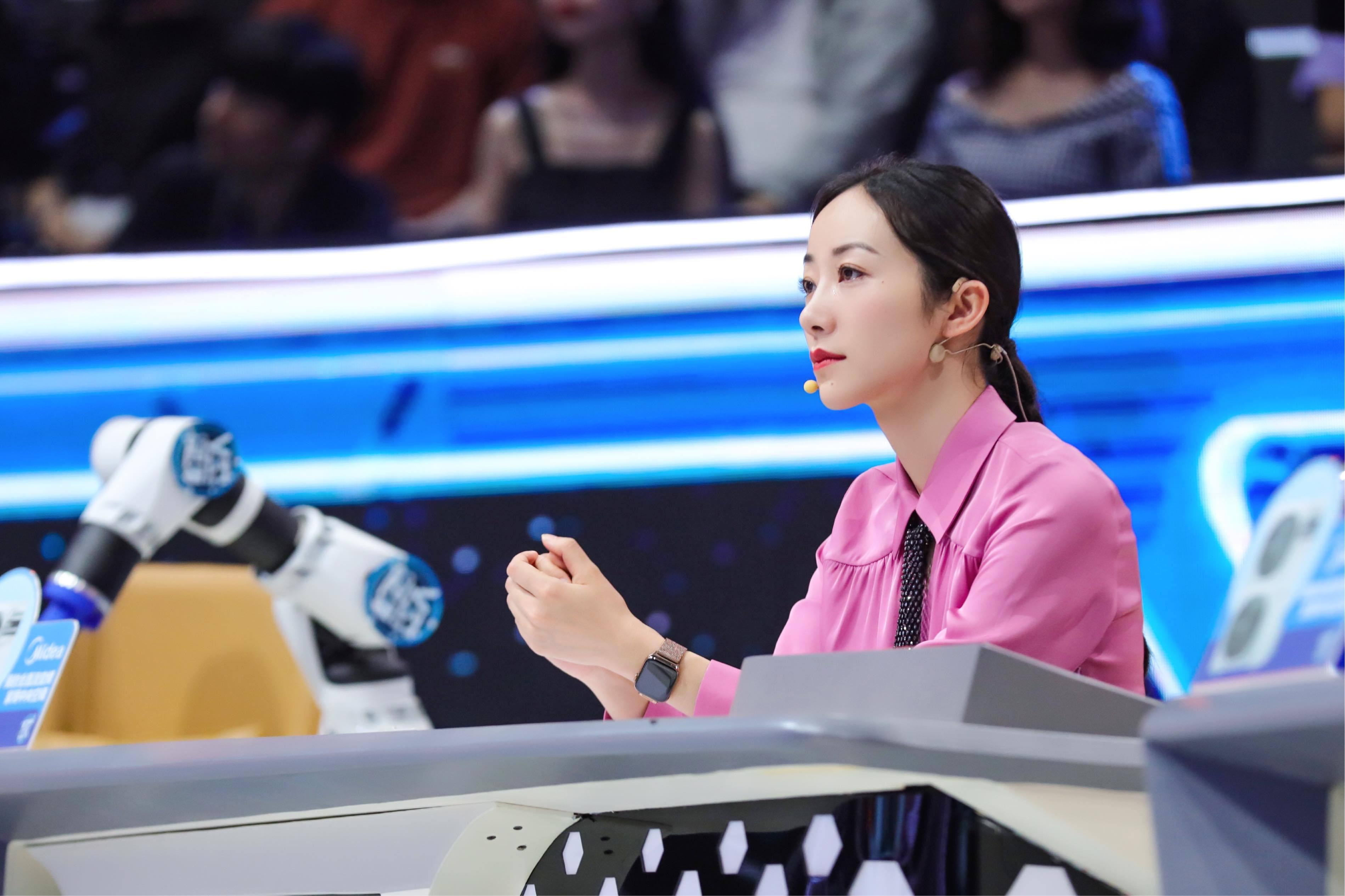<b>韩雪CCTV1《机智过人》昨日开播 获新闻联播强势推荐</b>
