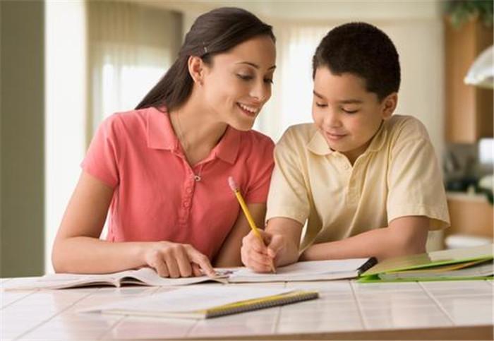 越聰明的孩子越難帶?李玫瑾:孩子有這3種表現,父母就偷著樂吧