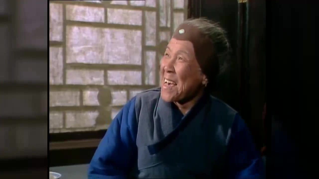 75岁的刘姥姥二进荣国府,两次撒过谎,好多人都忽略了