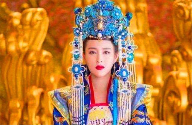 武则天死后300多年,中国差点又出了个女皇帝!去世前还穿着龙袍