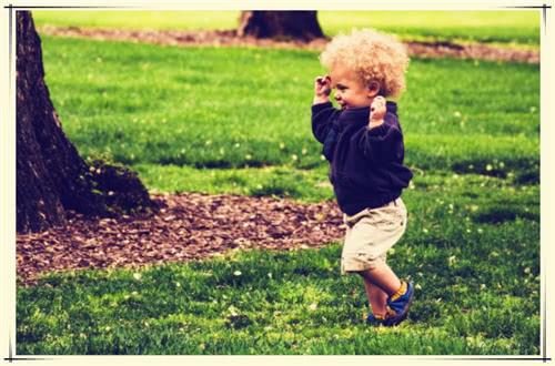 孩子喜欢动手打人,学到这4点,让孩子变文明