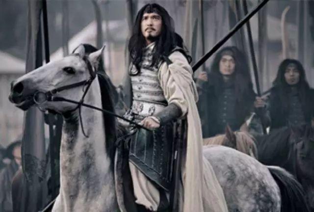 马超曾多次拒绝曹操征召,投奔刘备时,他带了多少兵马?