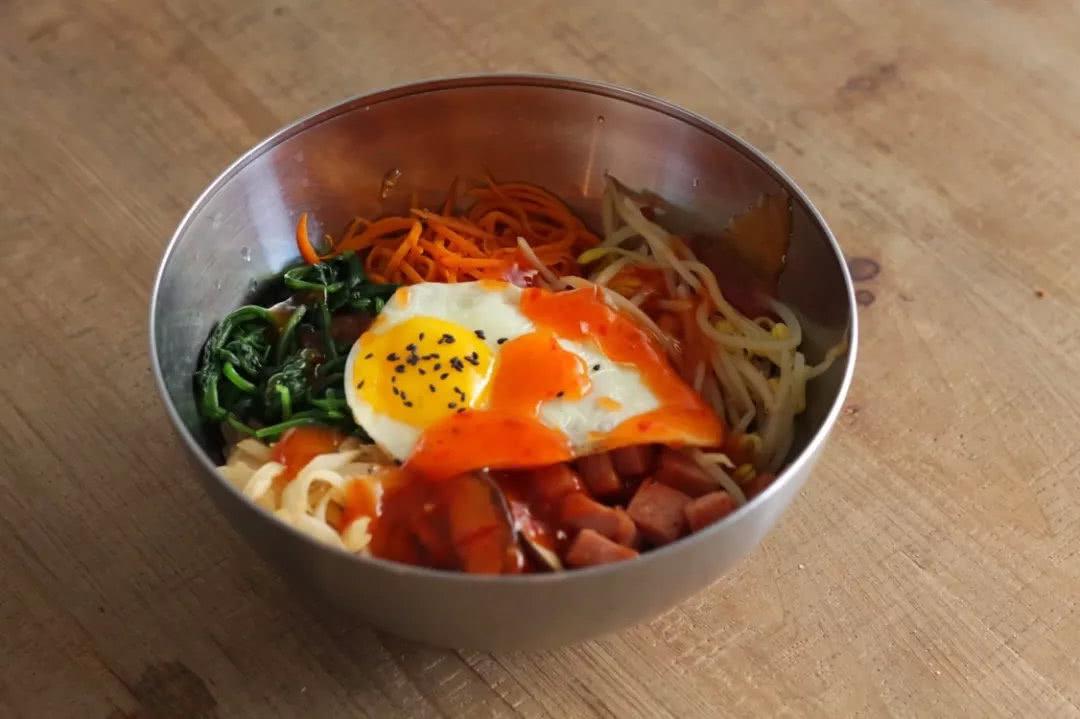 <b>一款私藏拌面一扫而光,韩式拌面的做法</b>