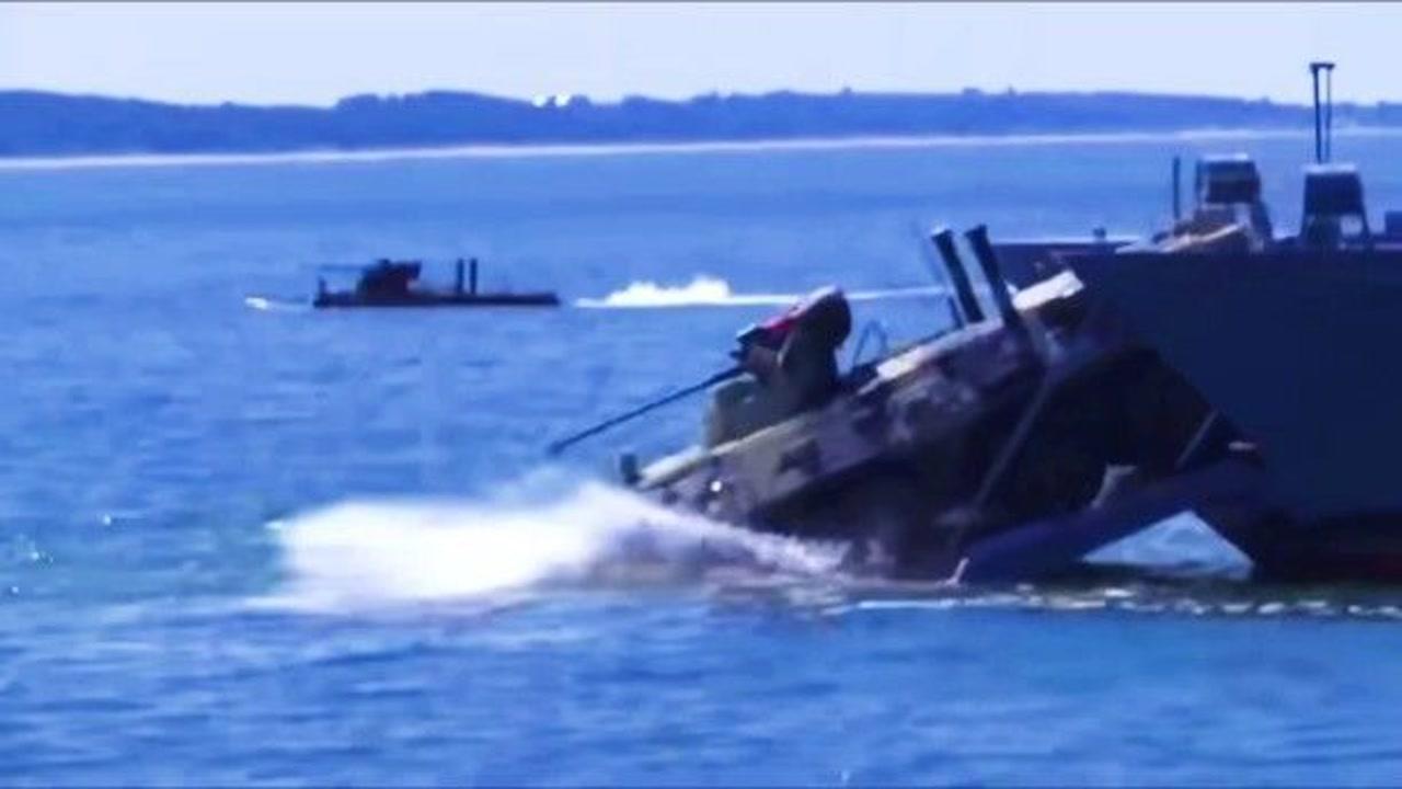 「美国驻俄罗斯大使馆有海军陆战队吗」俄罗斯海军陆战队装甲车跳水