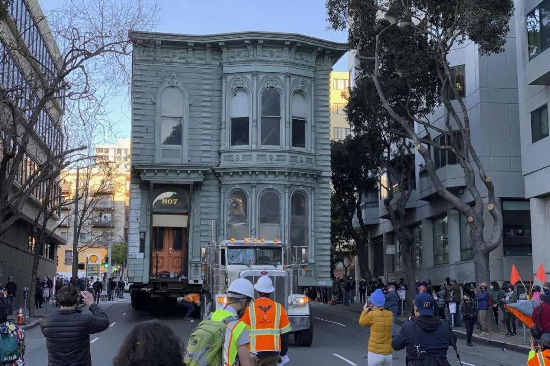 真·移動城堡!舊金山139年老房整棟平移搬遷,耗資258萬