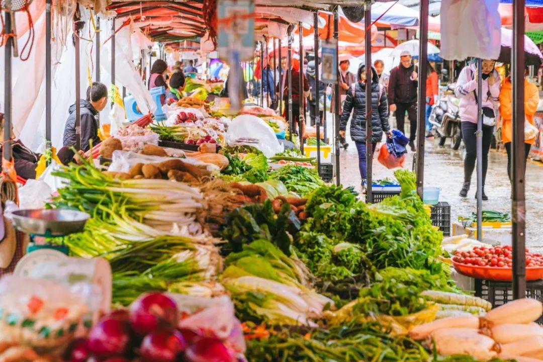 「象山石浦菜市场在哪」忠义市场、象山市场、金甲市场……丽江的菜市场你最爱哪个?走,一起逛克!