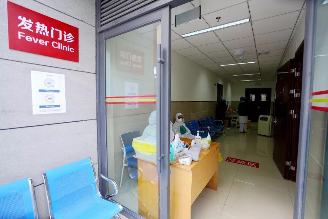 「一人生病全家致贫」别再一人生病,一家跑去看!丽江所有医院控制探视的时间与人数