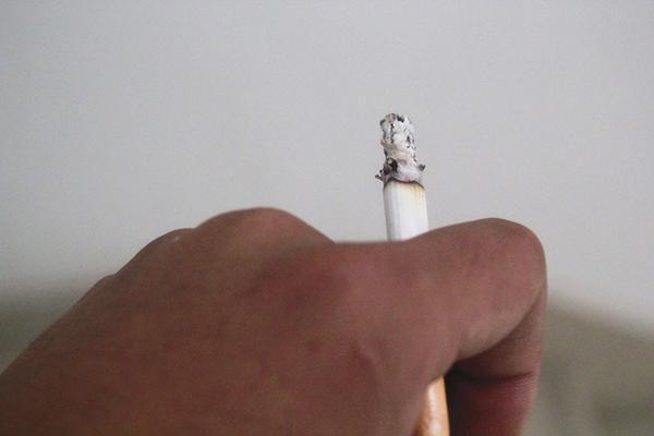 """啥是三手煙?對人有哪些危害?三手煙是""""隱形殺手"""",如何避開?"""