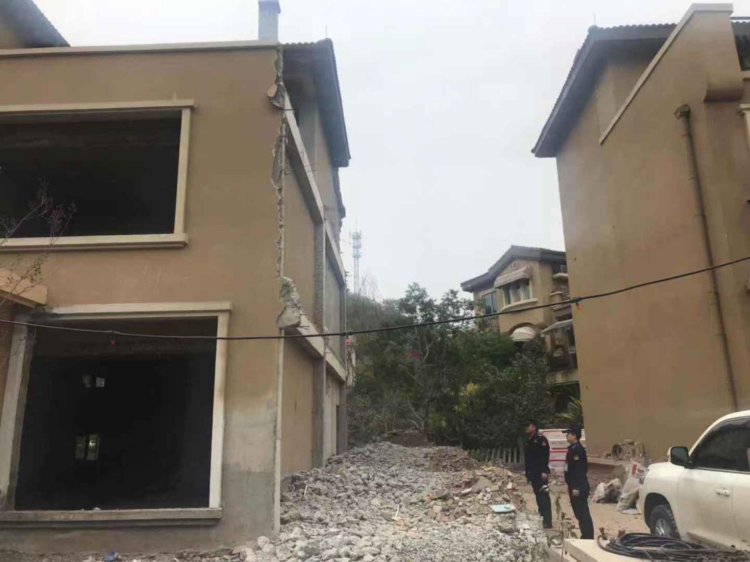 德阳城管依法拆除4处违建