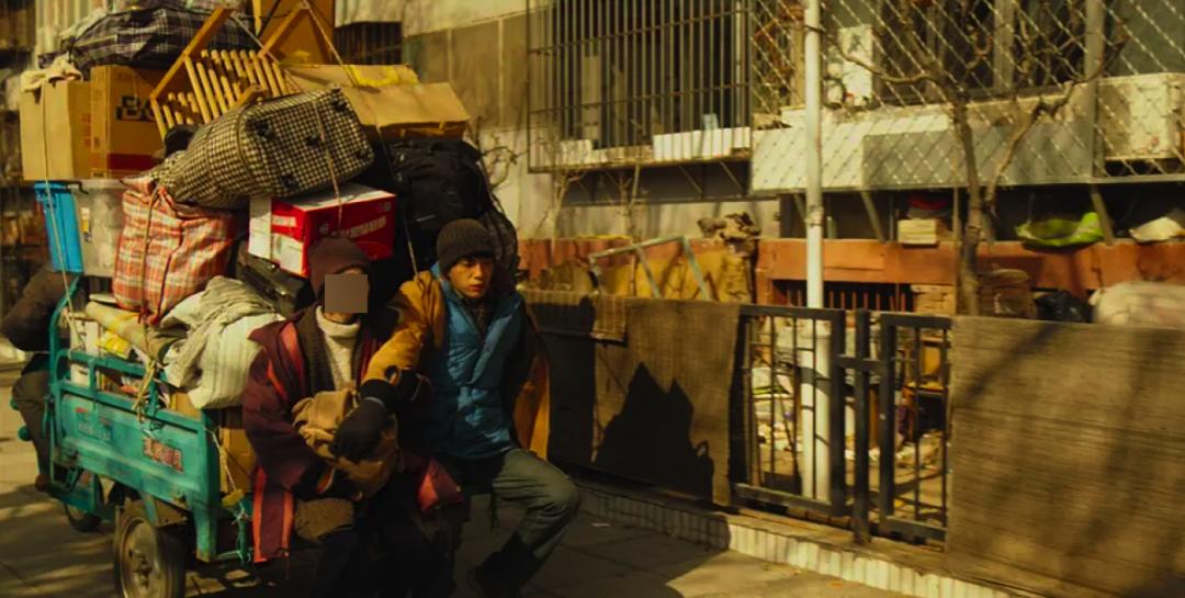 """「蛋壳公寓租房信息」蛋壳爆雷后租户被逼上楼顶:""""我死之后,希望大家的钱可以退回来。"""""""