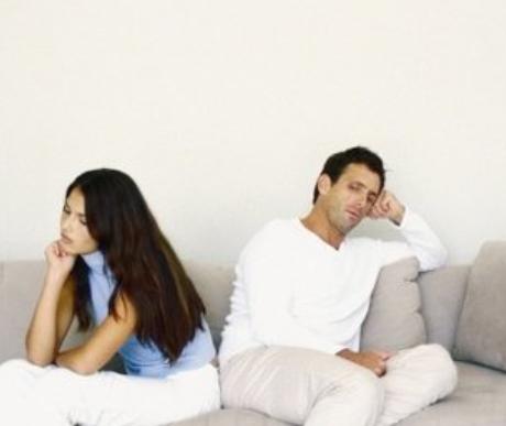 「老公说为了孩子凑合过」我和老公没有沟通导致分居,该为了孩子凑合还是离婚?