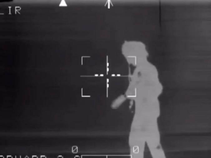「阿帕奇直升机介绍」小处不可随便,AH-64阿帕奇直升机夜视仪效果