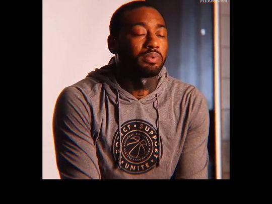 「詹姆斯定妆照」火箭18人定妆照出炉,哈登缺席拍摄,沃尔身穿1号。#看NBA就在腾讯体育