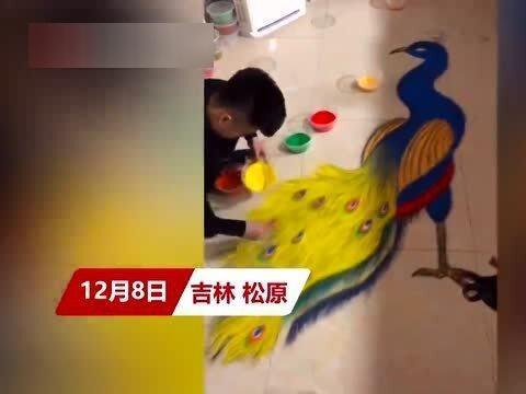 「3d液态地板」牛!小伙在客厅地板创作3D沙画似特效