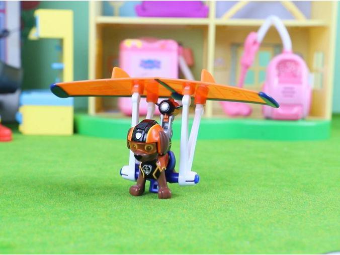 「玩具感应飞行器好卖吗」汪汪队立大功:路马的飞行器玩具分享