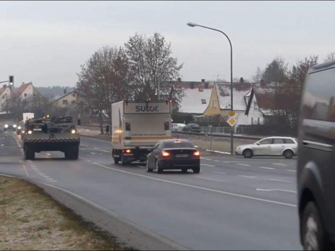 「德国道路」德国装甲车队公路机动
