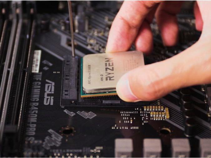 「治具防呆」AMD多重防呆设计,想装反CPU其实蛮难的