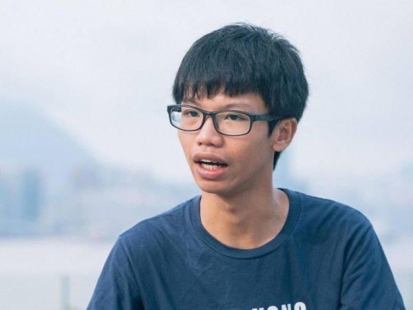 """香港国安法首次打击""""港独""""分子!拘捕3男1女"""